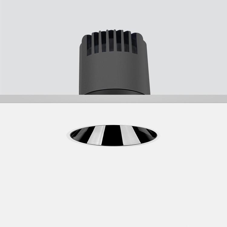 Dark 嵌入式筒灯 7W/15°/3000K/开孔60mm/525lm/有边框/亮银敞口
